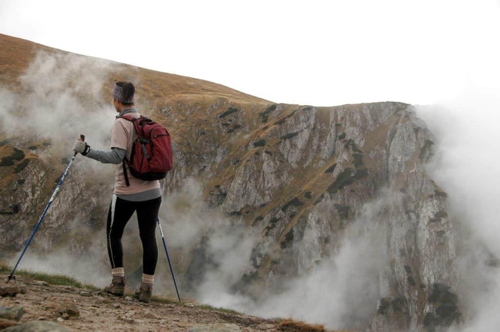 La marche nordique : un sport exigeant pour votre bien-être