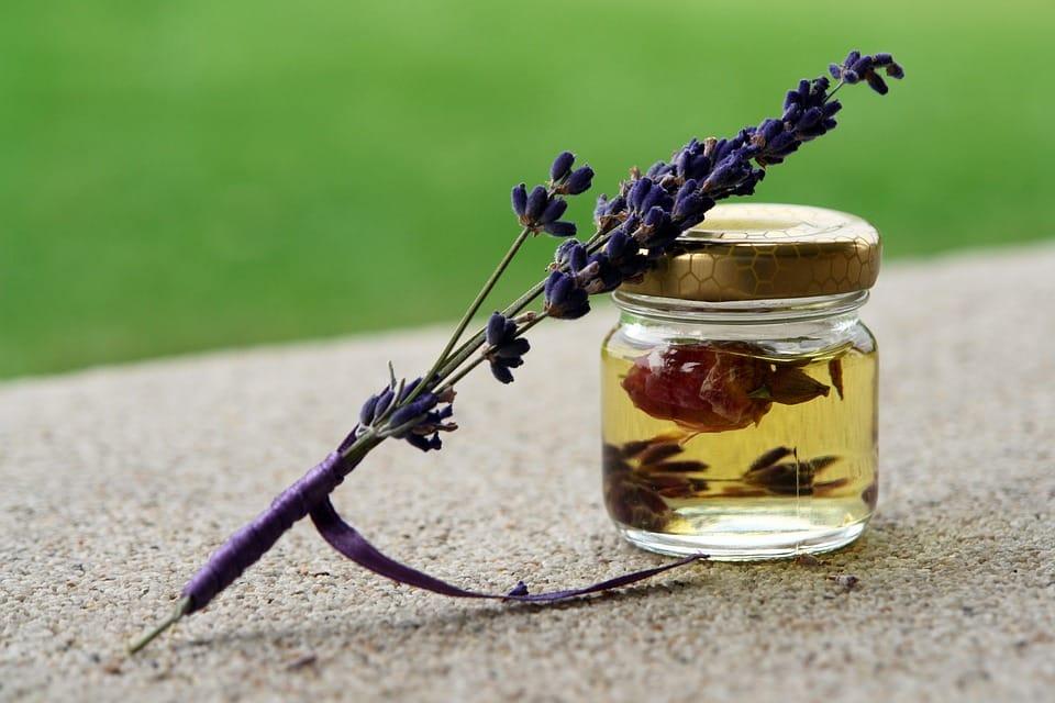 Les huiles essentielles: petit guide d'utilisation