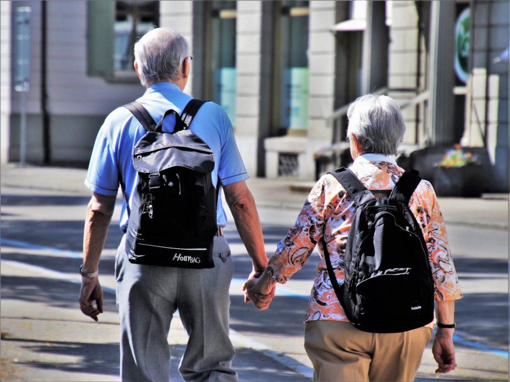 Maintien à domicile des personnes âgées: Comment le faciliter?