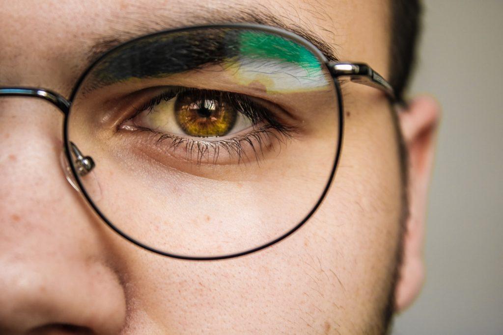 Essayer ses lunettes en ligne est désormais possible?