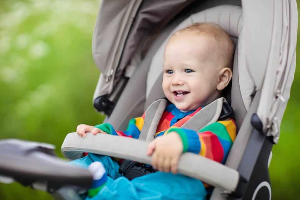 5 questions à vous poser avant d'acheter une nouvelle poussette pour votre enfant
