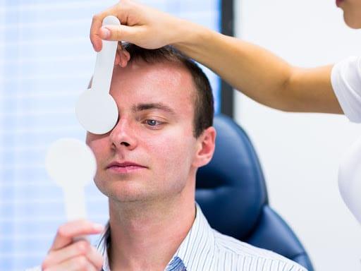 Comment faire un test de convergence oculaire ?