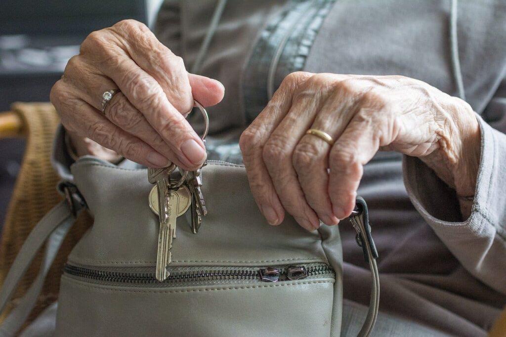 Faciliter l'autonomie d'un senior : quelles solutions ?